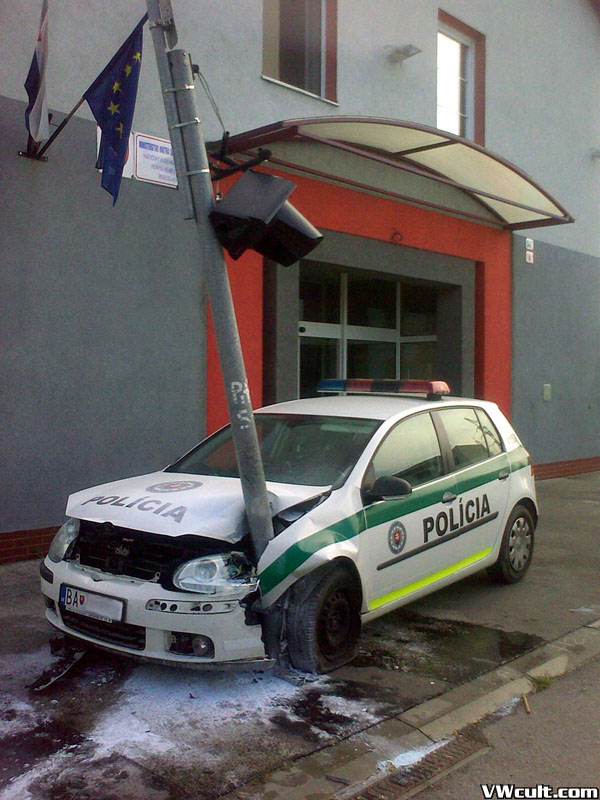 The Cops are parking where they wantThe Cops are parking where they wantFešáci si parkujú ako sa im zachceFešáci si parkujú ako sa im zachceThe Cops are parking where they wantThe Cops are parking where they wantThe Cops are parking where they wantThe Cops are parking where they want