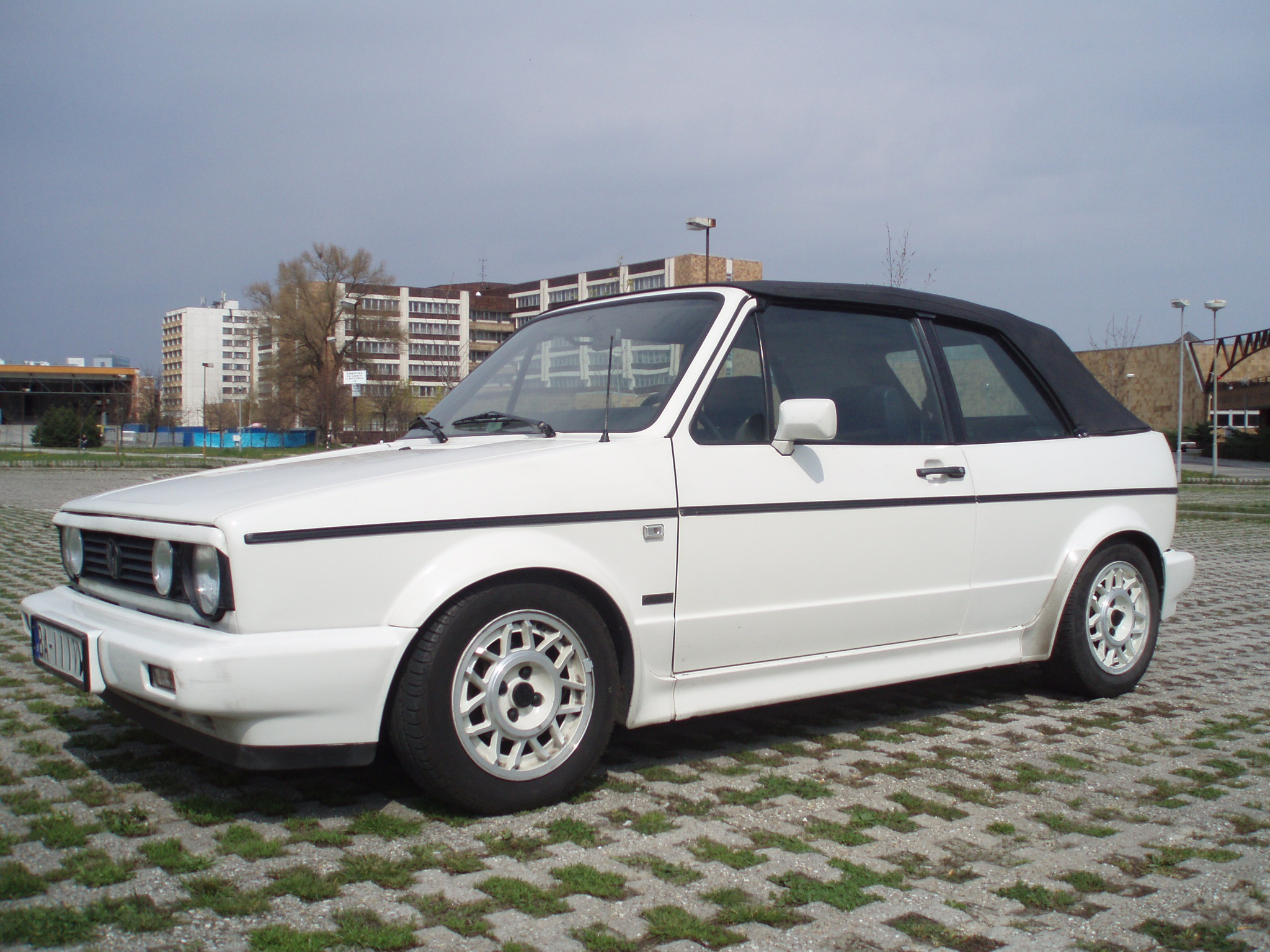 vw golf mk1 cabrio luka. Black Bedroom Furniture Sets. Home Design Ideas